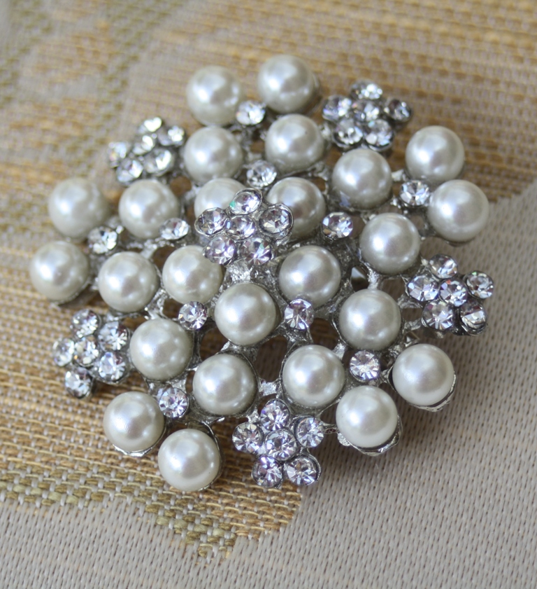 pearl brooch for wedding cake pearl and diamante wedding cake brooch 18163